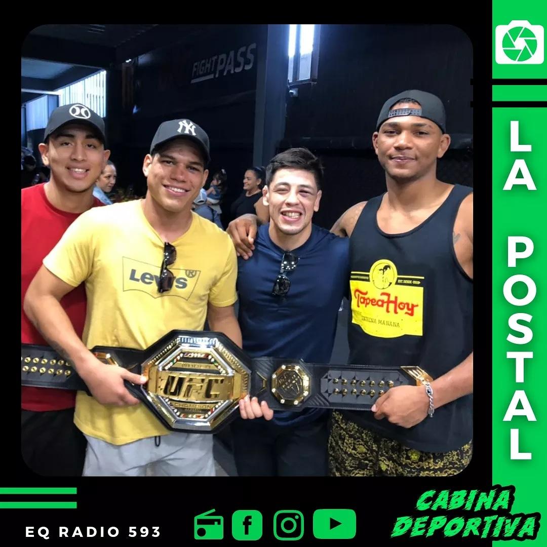 #MMA | ¡TREMENDA POSTA! 📸 El nuevo campeón de la UFC 🏆, Brandon Moreno, junto a sus pupilos ecuatorianos: César Abad, Aarón Cañarte y Michael Morales 👏🇲🇽🇪🇨. @theassassinbaby @AaronCanarte @entramgym @UFCEspanol @ufc https://t.co/kJHE2cBbIq