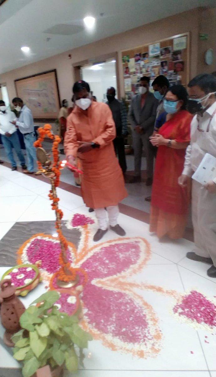 Hon'ble Minister of Tribal Affairs, Shri Arjun Munda inaugurated the new TRIFED Head Office at NSIC Business Park, Okhla Phase-III, Okhla Industrial Area, New Delhi. @MundaArjun @renukasinghbjp @PIB_India https://t.co/SonzpnLRvB