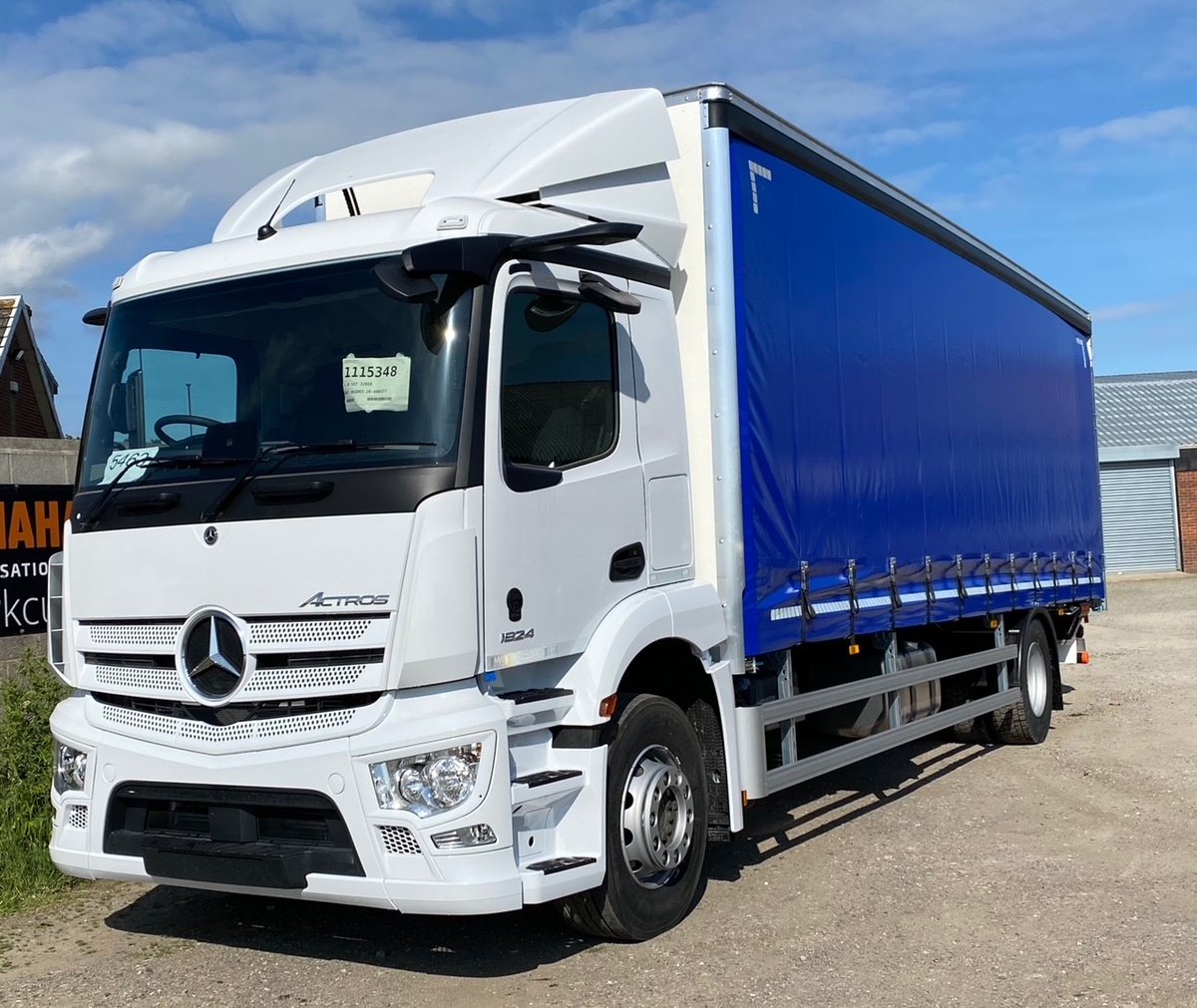 test Twitter Media - Another curtain-side conversion with tuck away tail lift for Ken Mallinson & Sons Ltd. Thank you to @belltruckandvan and @KMS_transport for the business. #KenMallinson #BellTruckandVan #MartinWilliamsHull https://t.co/fC9WEoEX4t