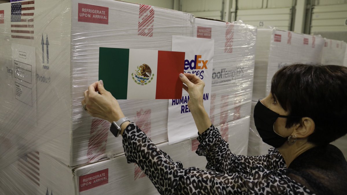 Today we delivered 1.3+ million vaccines to our neighbors in Mexico. More vaccines are on the way as @StateDept is proud to help carry out @POTUS' commitment to deliver 500 million vaccines worldwide and help the world defeat #COVID19. https://t.co/Et225Hih5g