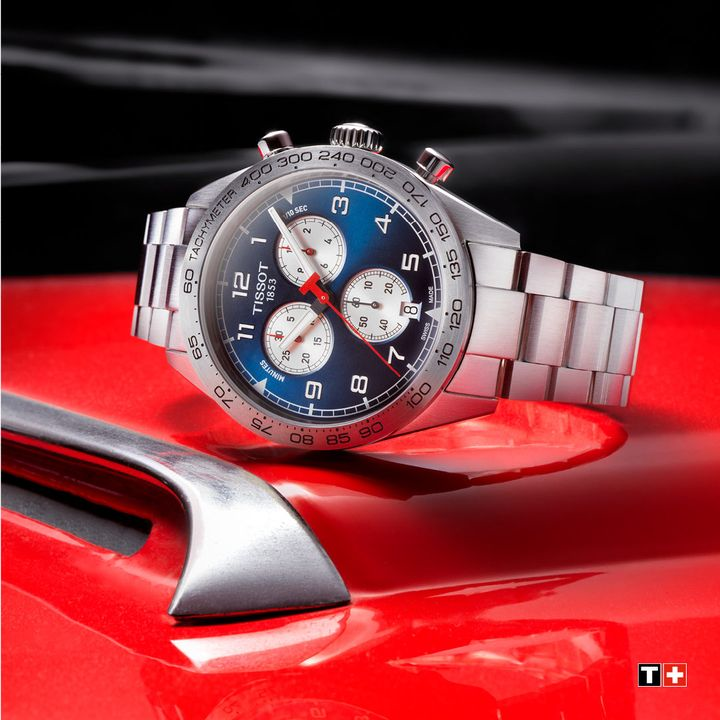The Tissot PRS 516 is the Father's Day gift that's bound to impress. #ThisIsYourTime Shop our Father's Day gift guide: https://t.co/QhFrFmvzbh https://t.co/7zCLoLy883