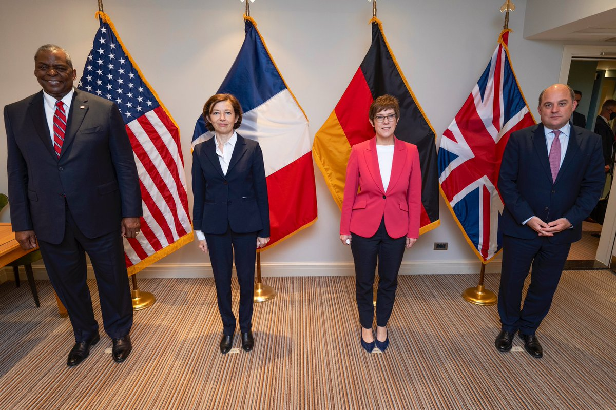 Great meeting this morning with @florence_parly, @AKK, and @BWallaceMP for the first Euro Quad Defense Ministerial since 2014. We followed up on yesterday's @NATO Summit, and we discussed how we will adapt to face increasing regional and global security challenges. #WeAreNATO https://t.co/L8xBQrQvLd
