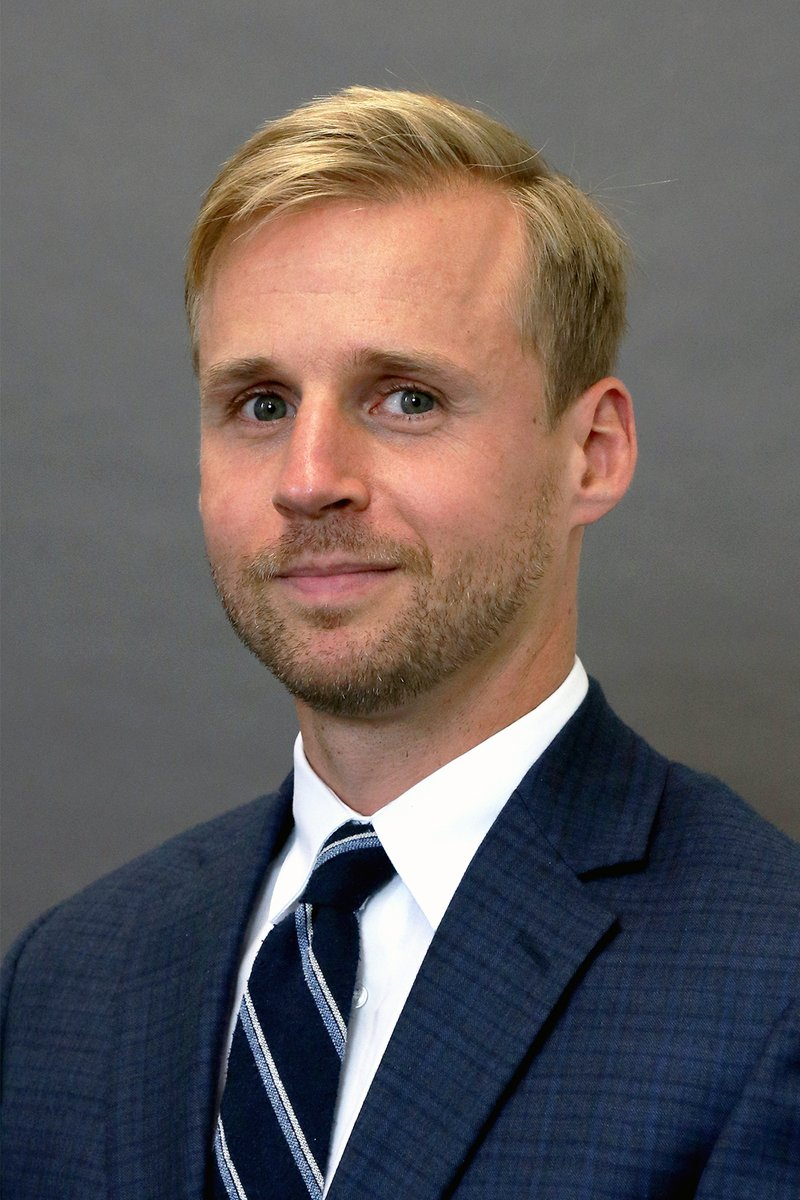 Congratulations to Jonathan Marshall '07 for being named 2021-22 president of the West Virginia Association for Justice! 🎉⚖️   Marshall is director of WVU Law's Center for Consumer Law and Education. He is also a partner with Bailey Glasser LLP in Charleston, WV.   #WVU https://t.co/Y1Tkb0X6Dl