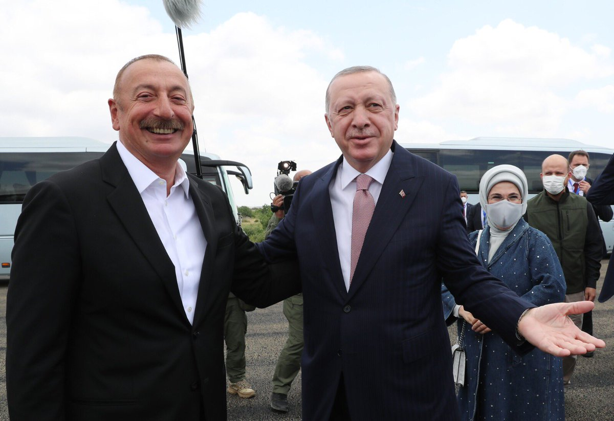 Кортеж Эрдогана рвётся в Шушу - YouTube – 15.06.2021, 00:00