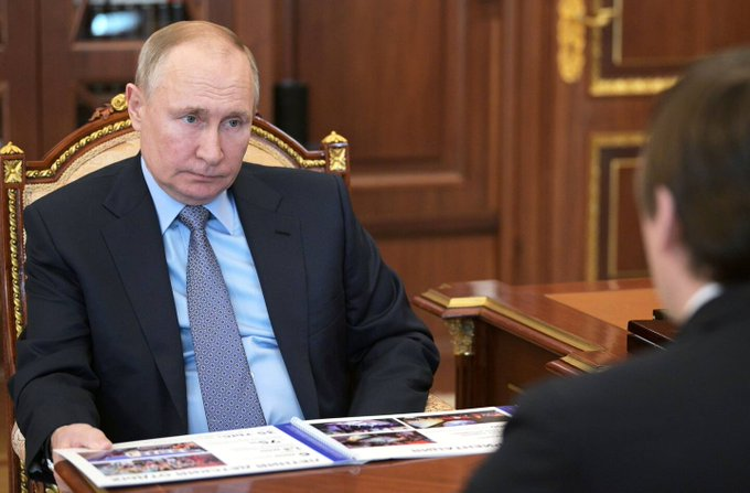 Putin swaggers toward summit with Biden as an old hand at dueling with the West Photo
