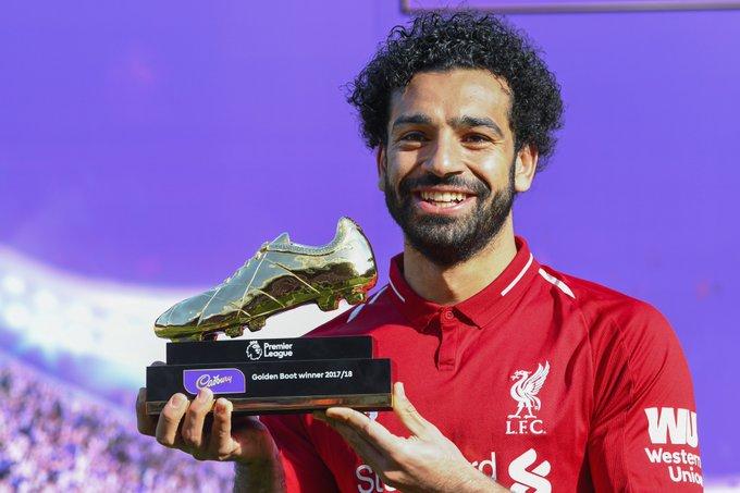 3⃣ يحقق لقب هداف الدوري الإنجليزي لعامين