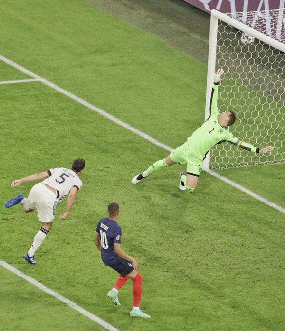 هوملز يصبح أول لاعب في تاريخ ألمانيا يسجل