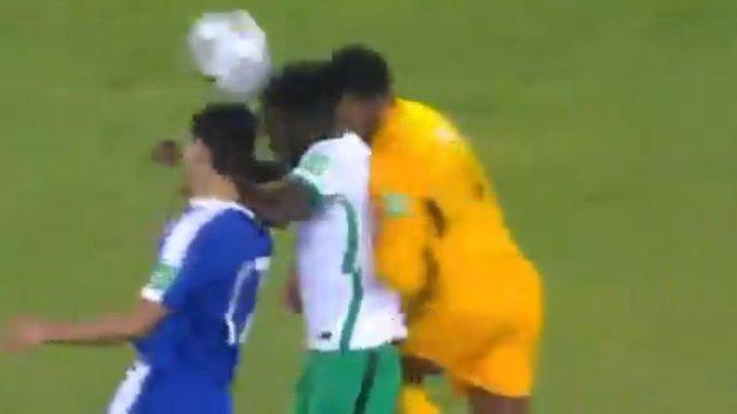 إصابة قوية في الرأس وسقوط لاعب المنتخب