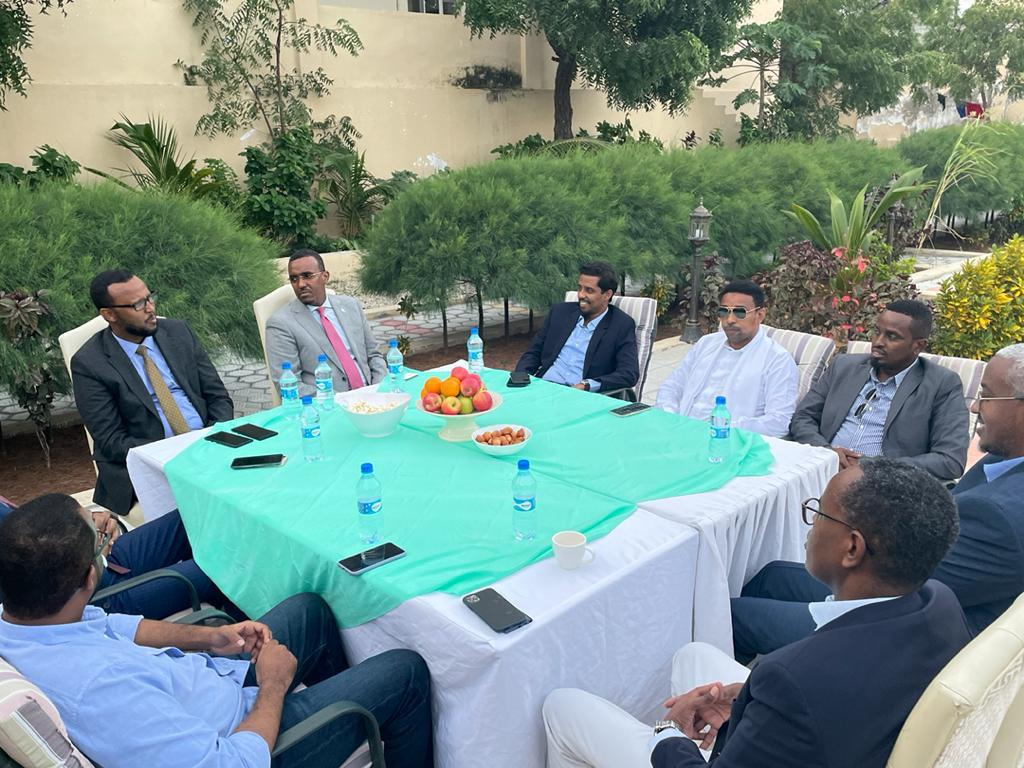 BREAKING: Per sources, former #Puntland presidential candidate Asad Diyaano is been fronted as a possible FGS presidential candidate by a group of pro-Farmajo ministers to challenge president Said Dani in the state's federal parliamentary seats. https://t.co/fZypEnj9u9
