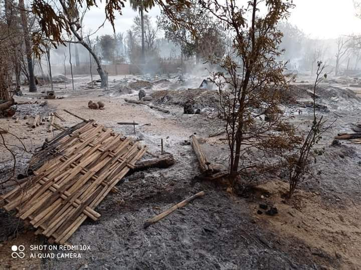 Pauk,  June 16  Around 250 number of people's houses in Kinma village, Pauk Township  were set on fire by Myanmar fascist army on June 15 evening. Kinma village have a population of 1,000 people and nearly all the houses are burned to ash. #June16Coup #WhatsHappeningInMyanmar https://t.co/G42AtHA8Ip