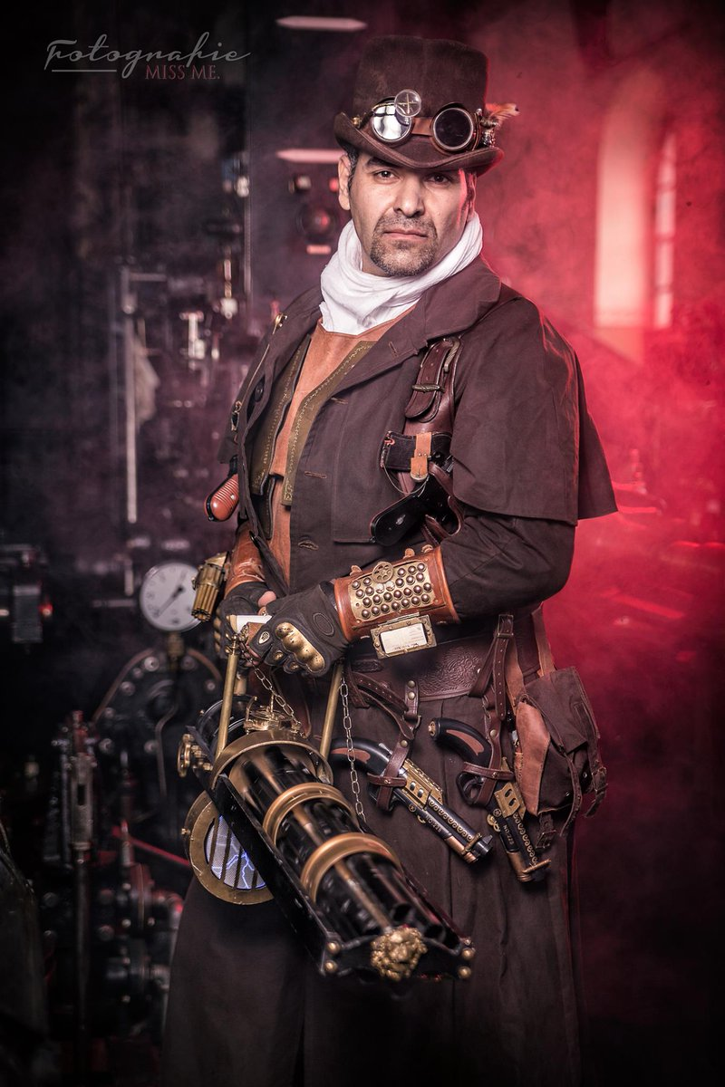 #Cosplay 🎩 Awesome of the Day ⭐ ➡️ #Steampunk ⚙️ #ArsenalBest Costume via @ArsenalBestX 📷 #MissmePhotography #SamaCosplay ➡️ View More #SamaCollection 👉 https://t.co/Kugls40kPu