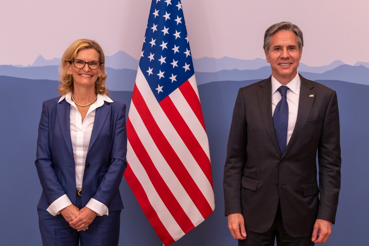 Pleased to visit with Doreen Bogdan-Martin, the American candidate for the International Telecommunication Union Secretary-General. With years of experience, she is the right choice at the right time to lead @ITU and the critical work it does. #Doreen4SG https://t.co/DkzSRVYTwd