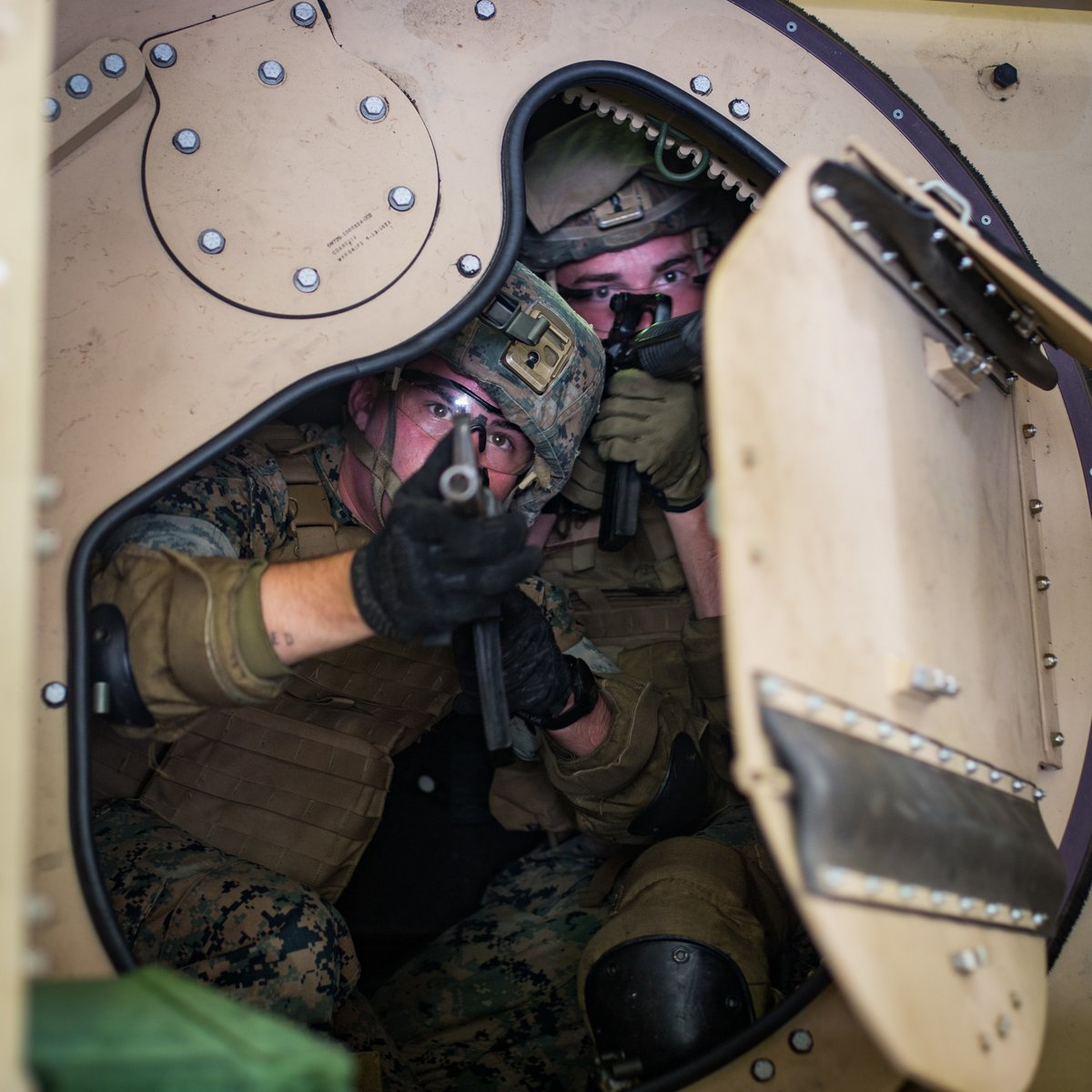 Marines with @31stMeu learned how to escape a Joint Light Tactical Vehicle to be ready for any potential outcome during a convoy. This training prepared the Marines to remain flexible and be ready to #fightnow https://t.co/lcbyFqwxDn