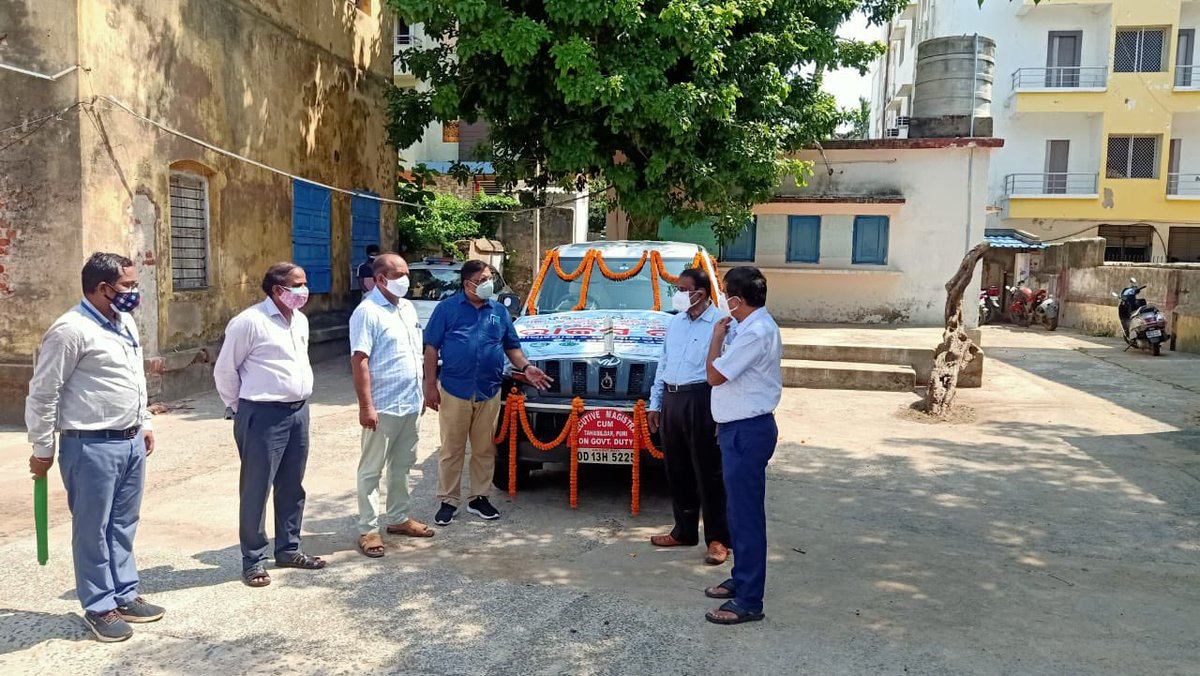 Rajaswa Rathas to provide doorstep delivery of revenue department related services have been started in Puri, Delang, and Kanas Tahsils. They will help delivering Pattas etc directly at doorsteps during lockdown. Other tehsils will be covered in 7 days @rdmodisha @CMO_Odisha https://t.co/4taZ5tD2dW