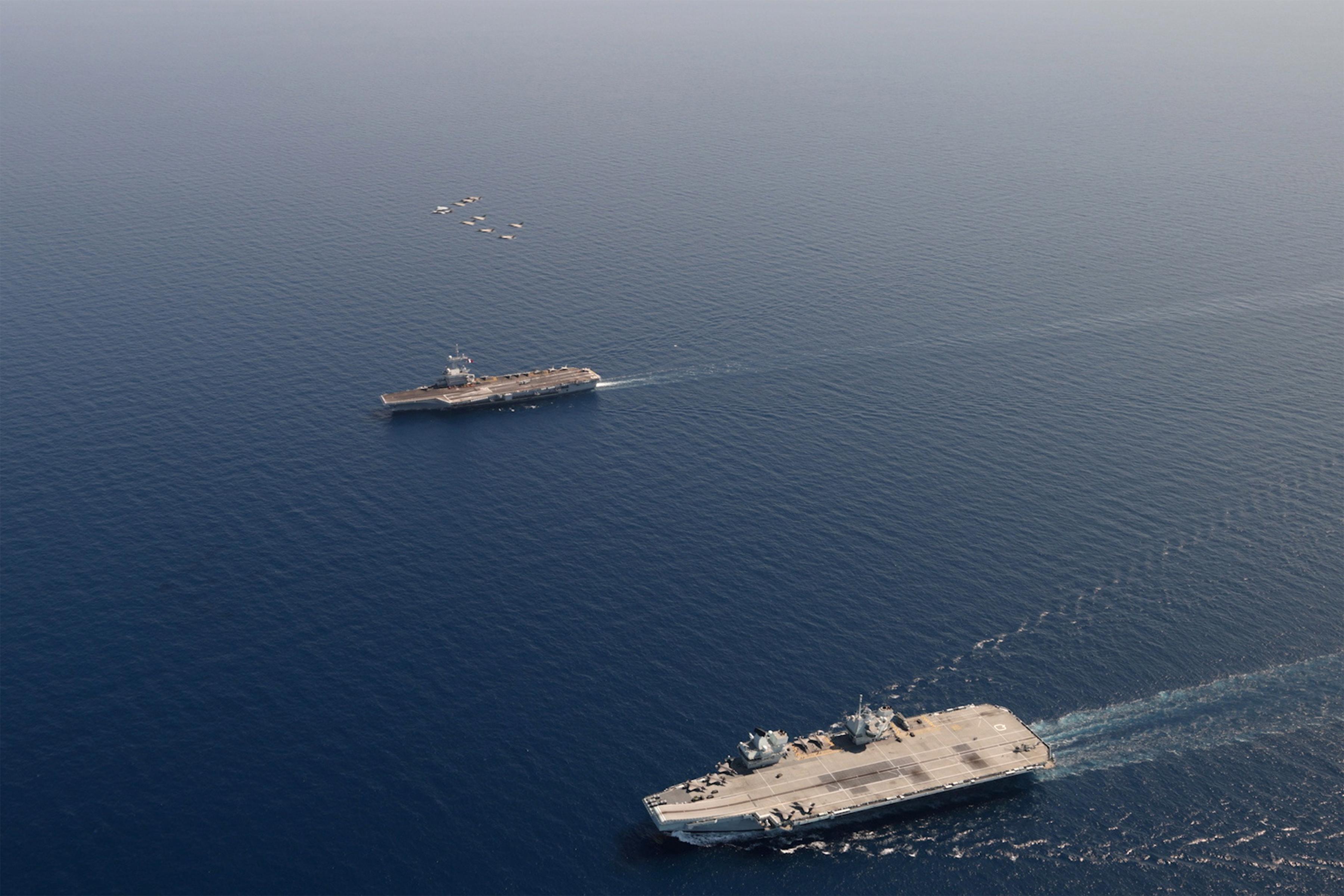 Les deux navires de guerre les plus puissants d'Europe se sont rencontrés en Méditerranée E3BSQd6X0AI7P1H?format=jpg&name=4096x4096