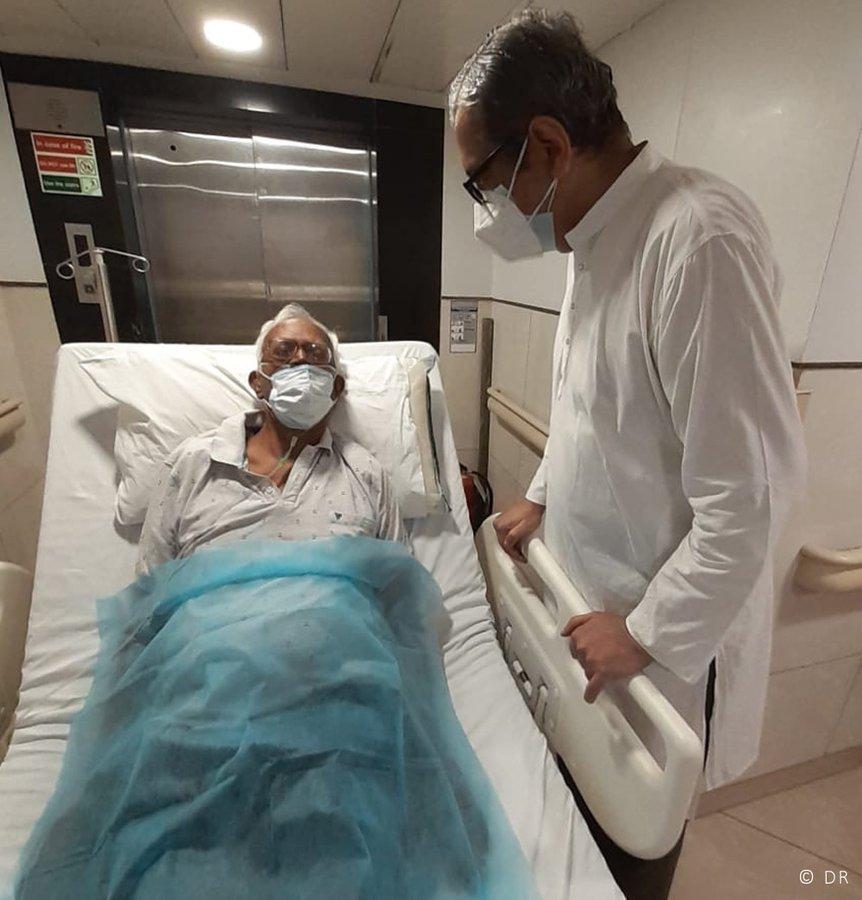 Padre Swamy en el hospital