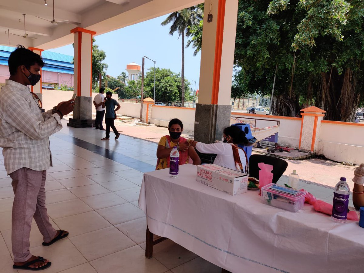 736 railway front line workers have been vaccinated in a special camp till now. Thanks to the healthcare workers and railway professionals @EastCoastRail https://t.co/EeCOBmReIo