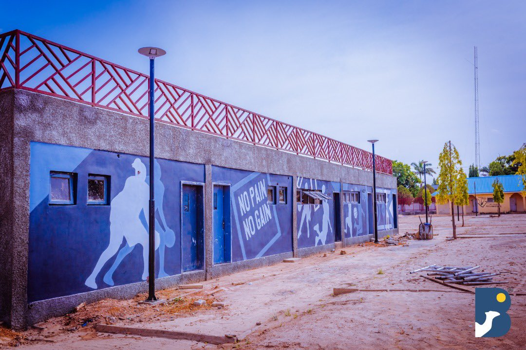 In partnership with KDSG; @bluecamelenergy have just added the External Electrical Infrastructure and Illumination of Murtala Square, Kaduna. KDSG + Blue Camel Energy = ✅ 📷 @SamuelUbile Paying your tax to @kadirsgovng is very important