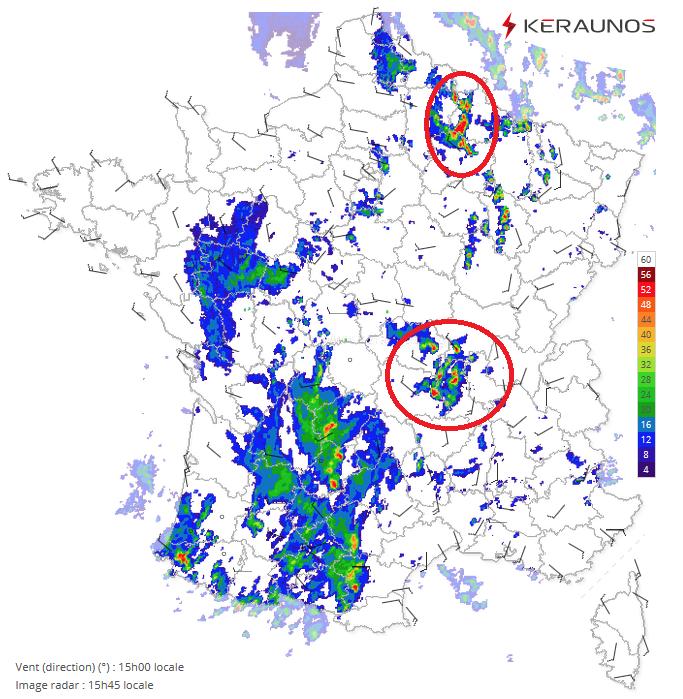 Les #orages se multiplient depuis la mi-journée. Actuellement, 2 zones très actives en #Champagne - #Ardennes et entre #Auvergne et #Bourgogne où 2 supercellules sont en activité. Déjà près de 20000 #éclairs depuis minuit. Forts orages attendus jusqu'à ce soir sur l'est du pays.