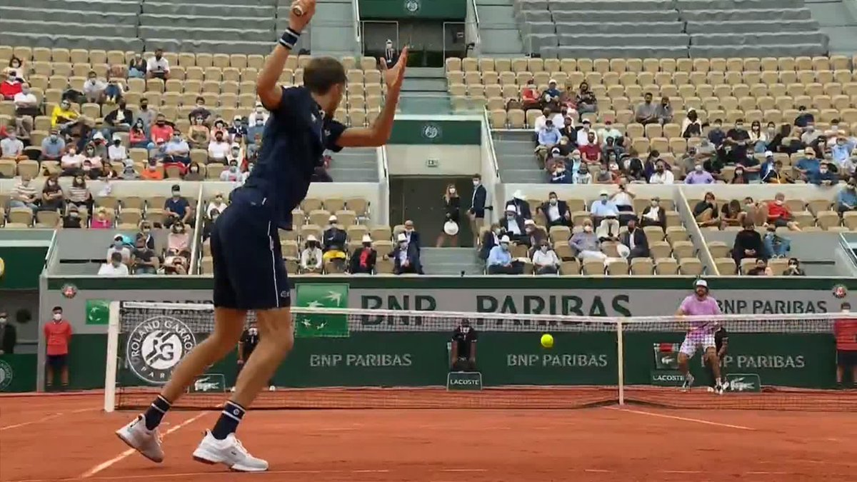 A dominant display 🔥  @DaniilMedwed has all the right moves today as he takes the first two sets 6-4, 6-2 over Opelka. #RolandGarros https://t.co/YV6OGoA1ep