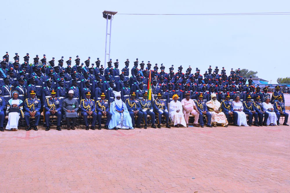 Deputy Governor @DrHadiza Balarabe today attended the passing out parade of the latest batch of recruits at the Air Force Base, Kaduna