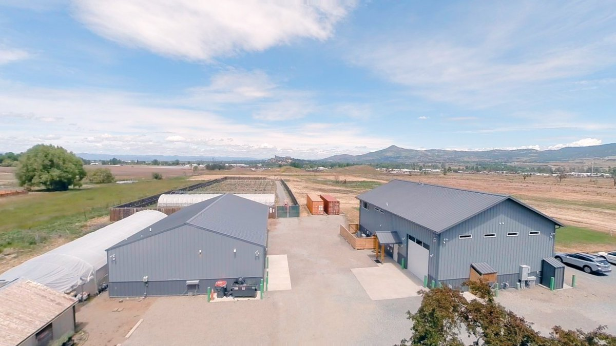 3047 Coleman Creek Road Medford Oregon Farm with high-end commercial buildings. Watch the video fly over here: https://t.co/b1fxilLwLR
