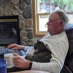 あれ?反対していた人間が一番猫と近くないか?