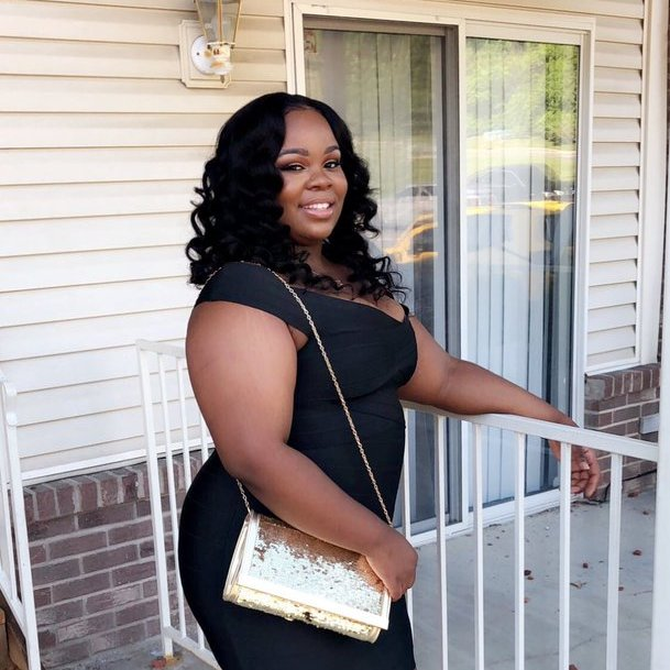 Remembering Breonna Taylor today on her 28th birthday. Her beautiful soul should be here to celebrate.  We send our love and prayers to her friends and family. We will never forget.   Happy Birthday Bre 🕊️🤍 https://t.co/ml3TNoDxZJ