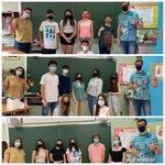 Image for the Tweet beginning: Los alumnos del colegio asisten