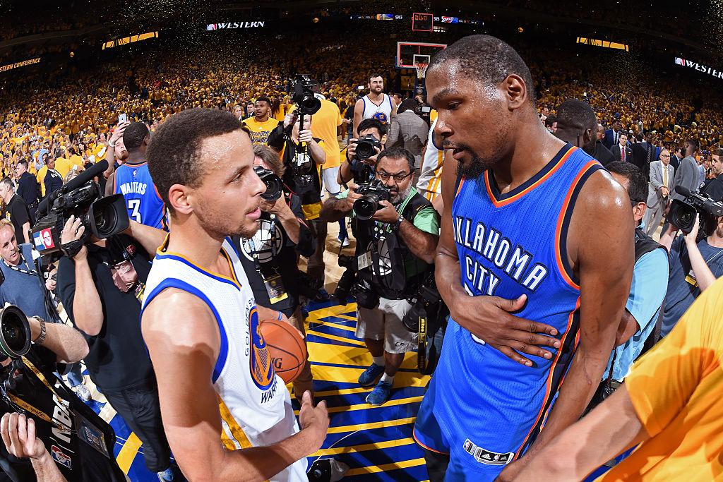 GAME 7️⃣ - Zeit für Legenden! 📚  2016: ALL TIME CLASSIC! Warriors & Thunder liefern sich in den WCF eine Serie und ein letztes Spiel für die Geschichtsbücher! ☔️⚡️🔥  #NBAPlayoffs  #ThatsGame #NBAVault https://t.co/pFcOfKSjzI