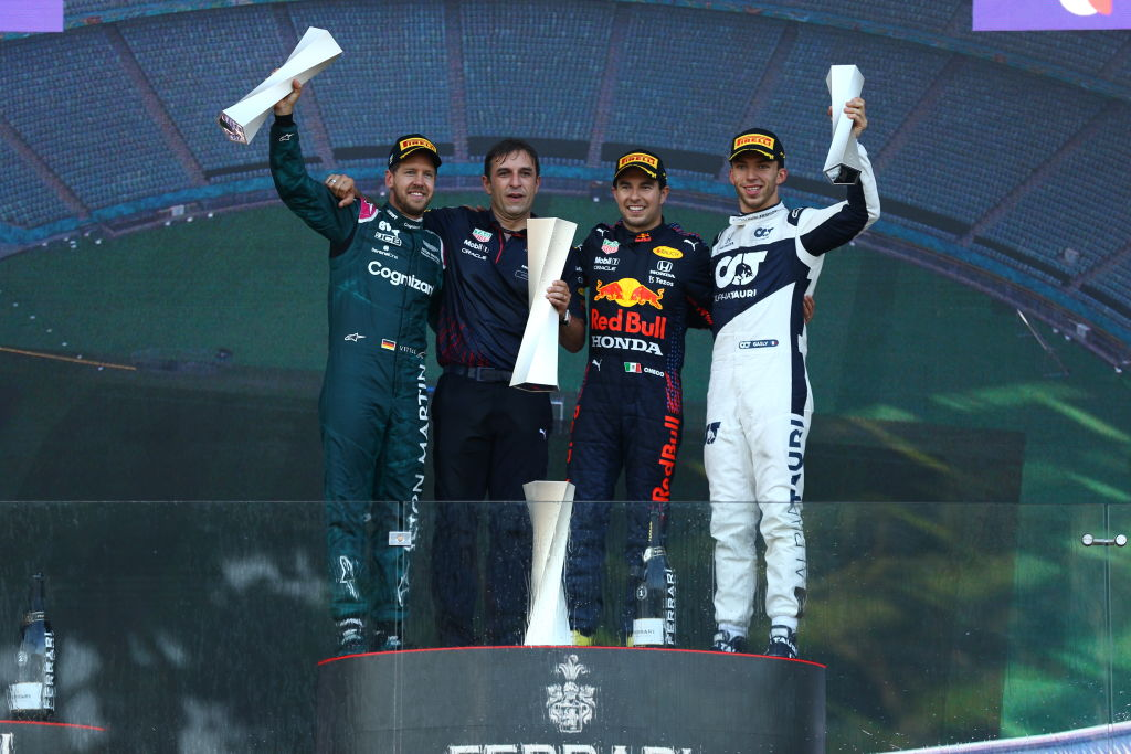 Pódio do GP do Azerbaijão contou com Perez, Vettel e Gasly – Foto: Dan Istitene/Formula 1 via Getty Images