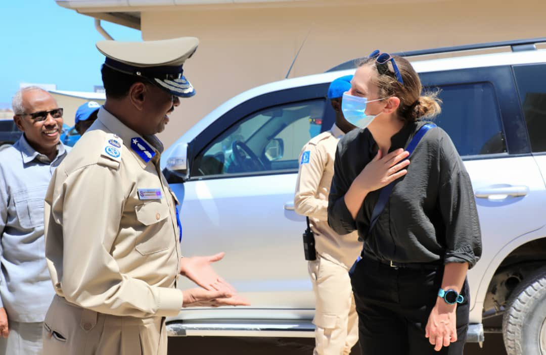 Great visit to @SomaliaPolice Goodir Unit with @GenHijaar. Welcome discussion on future development of the Unit and the continued commitment to election security. https://t.co/hbpc3SARbt