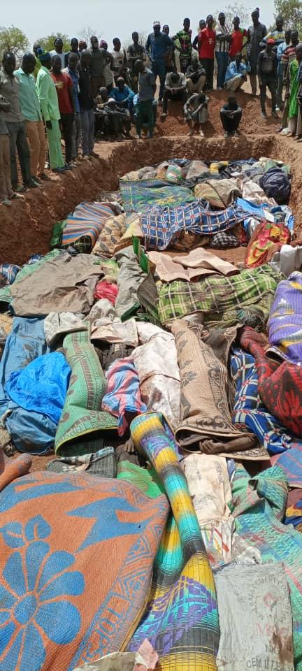 ИзображБоевики в Солхане на севере Буркина-Фасо казнили более 160 человек. Они зверски убивали мужчин, женщин и детей - христиан, анимистов и мусульман.ение