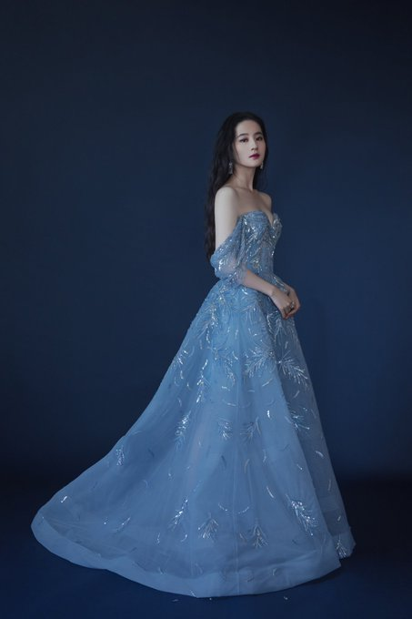 Yifei's Sina ก.ย.- ธ.ค. 2564 E3SsnFaXIAU2eDr?format=jpg&name=small