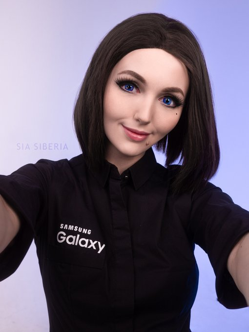 Hello, I'm Sam - your virtual assistant ✨ Do you want to see what I can? 😼  #SamsungSam https://t.co
