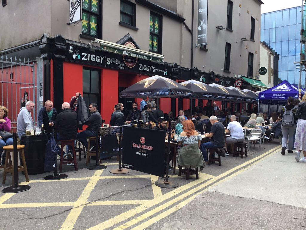 Cool atmosphere @ZiggysRockBar #outdoorpub at Tuckey Street.  @pure_cork #Cork #welcomebackcork #LockdownIreland https://t.co/Iiymdo4ivn