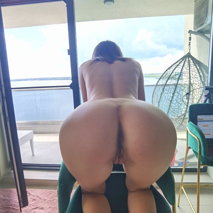 2 pic. I need a new fuck friend now. Live now link below 💦💦💦 https://t.co/a9s7Uv0rMr