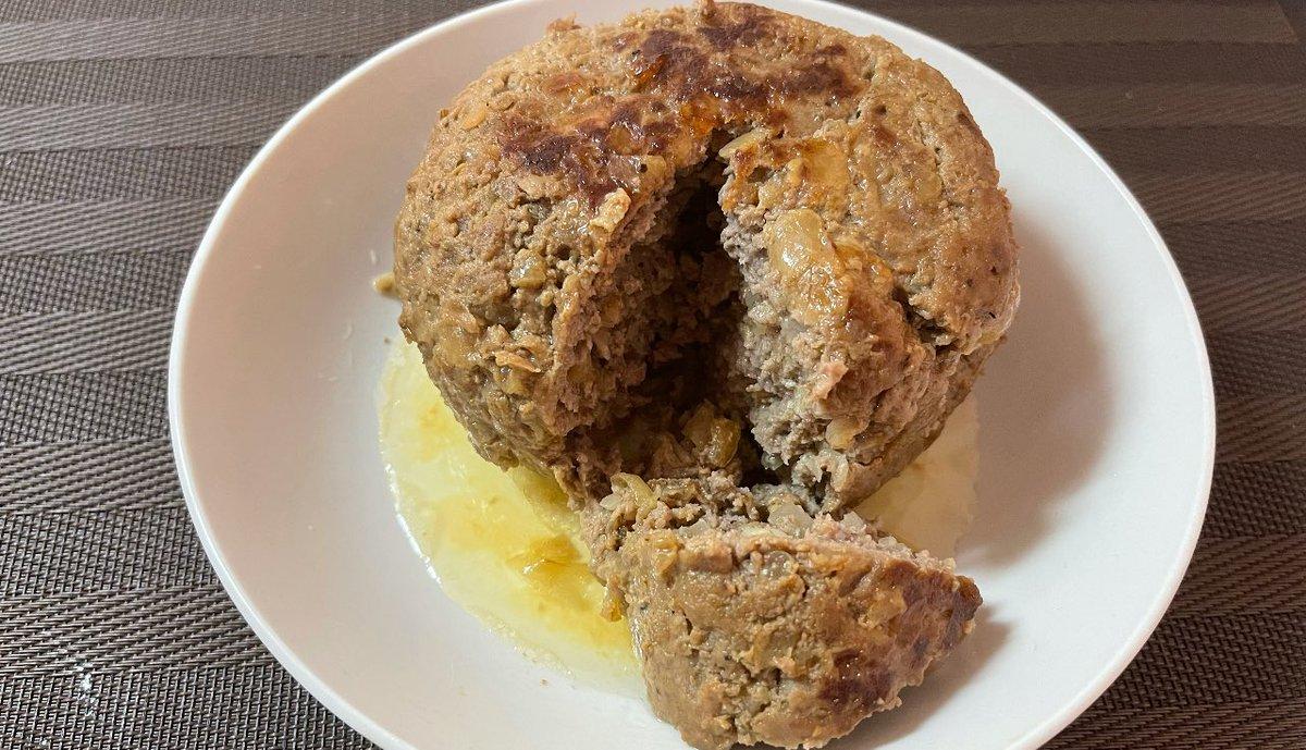 炊飯器で作ったハンバーグが最高!ジューシーすぎて肉汁爆弾だと話題!