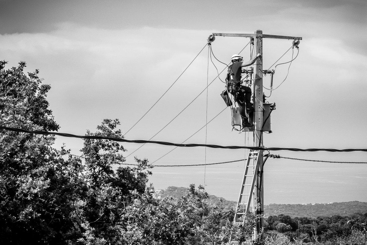 L'électricité et notre connexion Internet sont de retour. Une journée de...