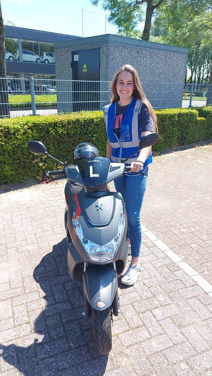 test Twitter Media - Vivian Hendriks in 1x geslaagd voor haar scooterrijbewijs. Gefeliciteerd! https://t.co/bEDjmw3nDp