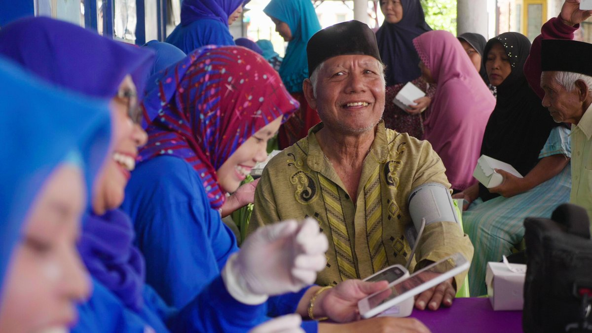 ⏩We are glad to announce @georgeinstitute's project Transforming Primary Care for Cardiovascular Risk Management in Indonesia has been selected among the top 14 finalists for the @avpn_asia Constellations People's Choice Award 2021.   🔗Vote for PC07 - https://t.co/asYtoinFrd https://t.co/R3r6R9VMlZ