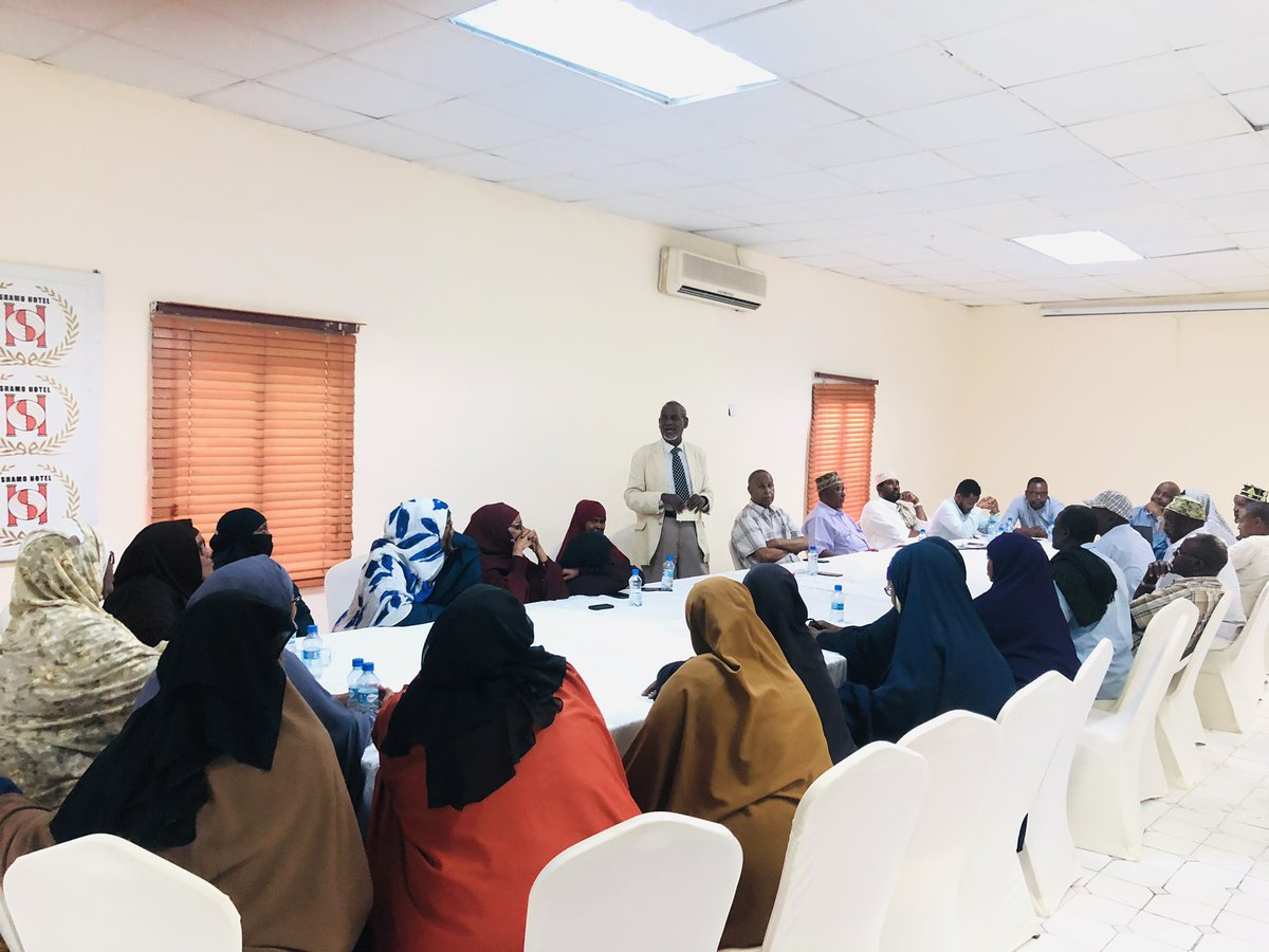 SONSA and Key Somali Civil Society members met with the Somali parents of missing soldiers those have being trained in Eritrea, after the meeting the SONSA  chair presented a press statement to the local media. https://t.co/WaivSpdJHY
