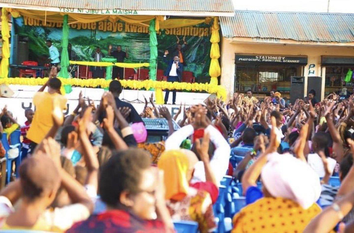 Mkutano wa injili ndani ya #Morogoro ticha @bajabiri karibu tumsikilize Masanja😊😊 https://t.co/UXq27qKxfh