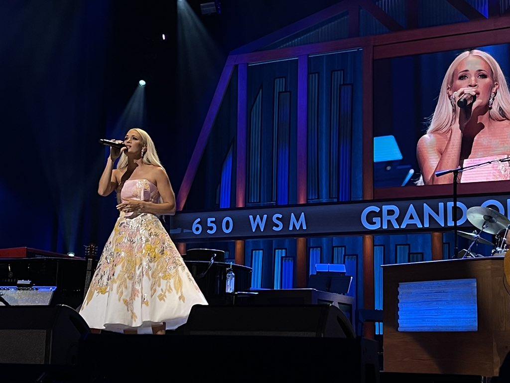 It felt soooo good to perform in front of people for the first time in what feels like forever! ❤️ Thanks, @opry for having us...tonight was magic! https://t.co/MU6990LHet