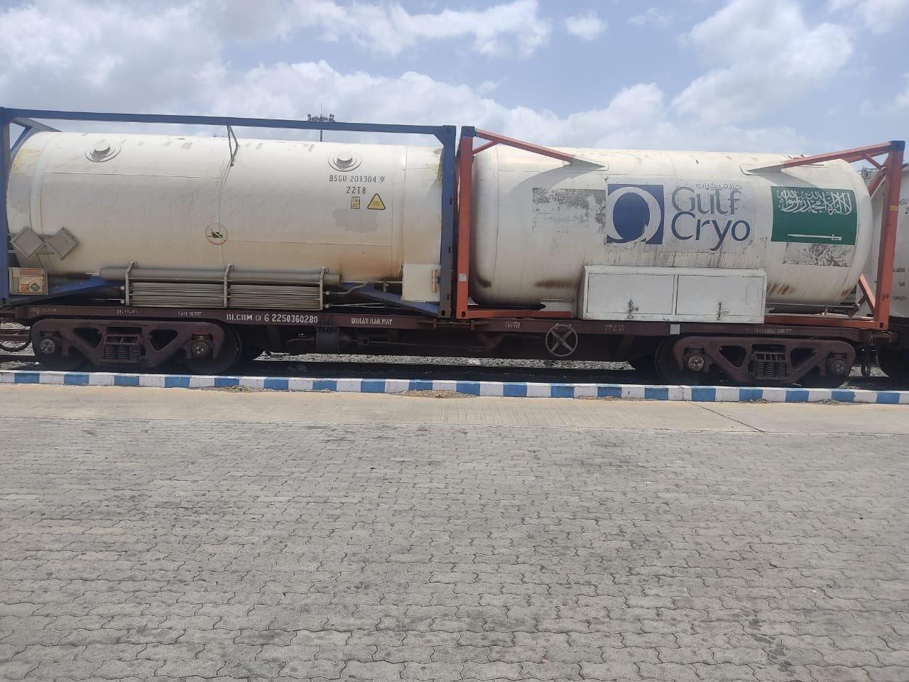 ऑक्सीजन एक्सप्रेस ट्रेनों ने देश भर में 28473 मीट्रिक टन से ज्यादा तरल चिकित्सा ऑक्सीजन की आपूर्ति की