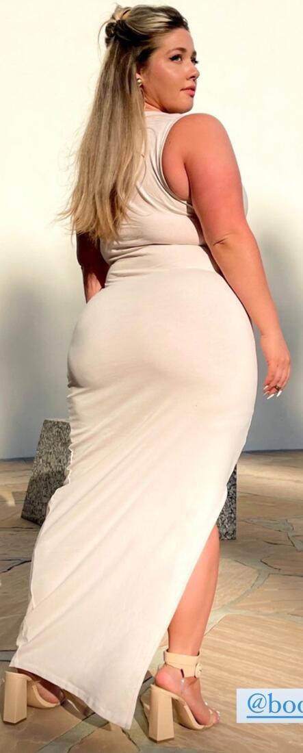 Woman curby Celebrating curvy