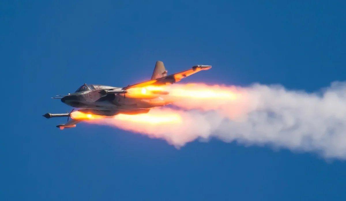Su-25 attack aircraft  - Page 16 E3dPiIZWQAADbev?format=jpg&name=medium