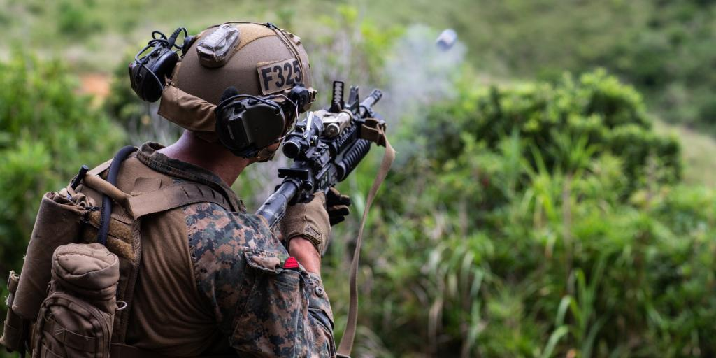 A Marine with Force Reconnaissance Platoon, @31stMeu , fires a M203 grenade launcher during a live fire drill on Camp Hansen, Okinawa, Japan. #Marines with the 31st MEU regularly conduct live fire drills to maintain proficiency with multiple weapon systems. #training https://t.co/2SlgBTRFHa