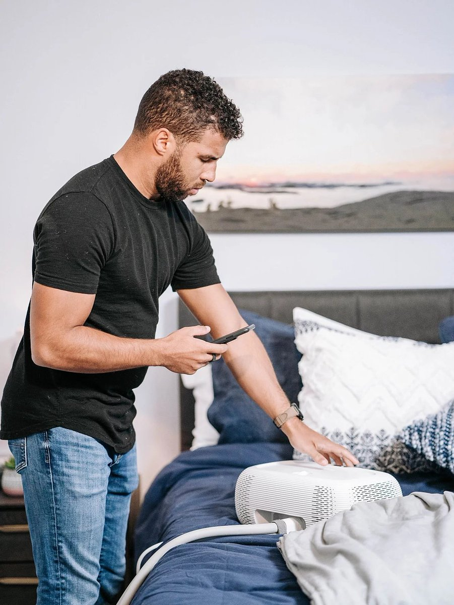 """Maximizing the time I have to #chilisleep is a crucial part of my recovery.  Over MDW, @Chilisleep kicked off their """"Summer of Chilisleep"""" giveaway giving away #1 product a day until Labor Day!  Enter to win yours at https://t.co/knbE2fCeSc  #spon #summerofchilisleep #chiliPAD https://t.co/dqVhIueaI5"""