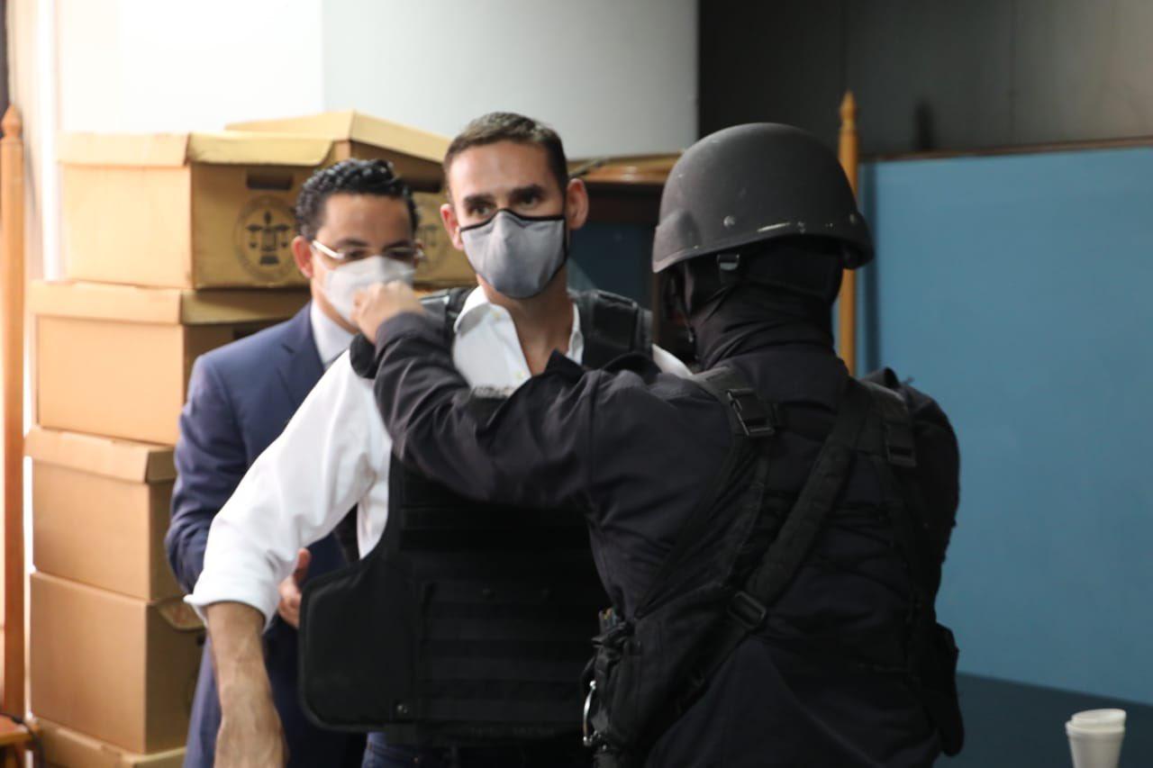 Acusan y detienen por un tercer delito a Ernesto Muyshondt